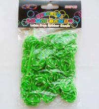 Loom Bands. Green polka dot.  Refill pack of 300 with hook & 'S' Clips.